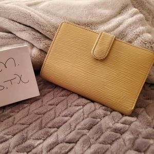 Louis Vuitton Kisslock Wallet